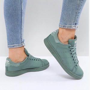 Sage Green Adidas Stan Smith sneakers, w 7, NEW